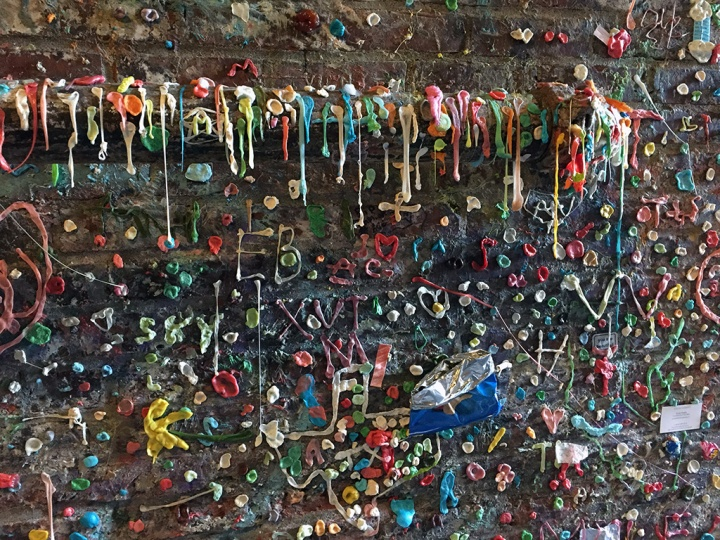 seattle-usa-chewing-gum-wall-4